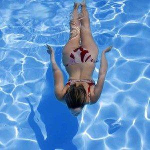 Nuotare sott'acqua - www.acquaamica.it